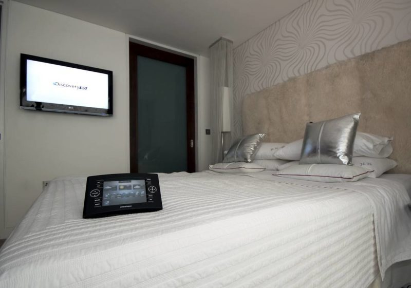Crestron Installation NW1 Bedroom 800x561 - The Custom Controls Home Blog - Informal Articles & Inspiration
