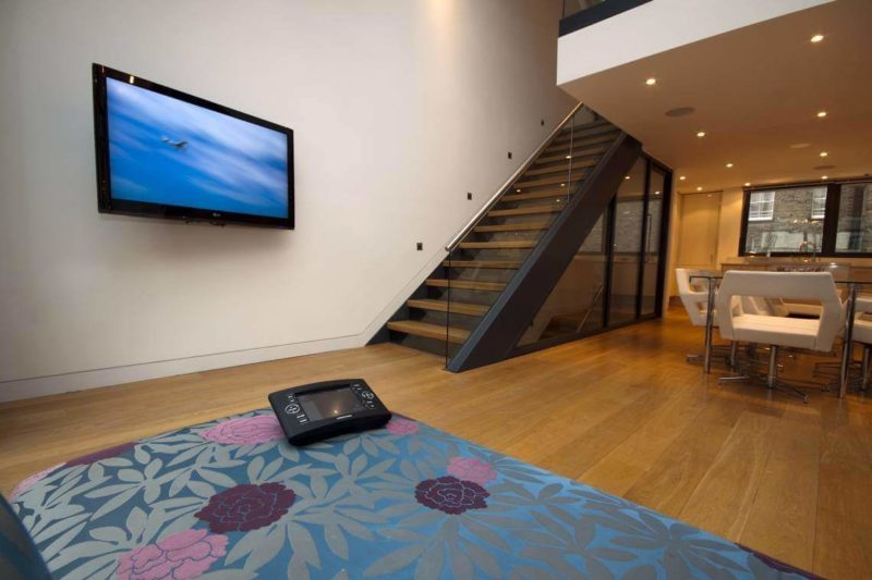 Crestron Installation NW1 Sitting Room 800x533 - Crestron Video Distribution and Control
