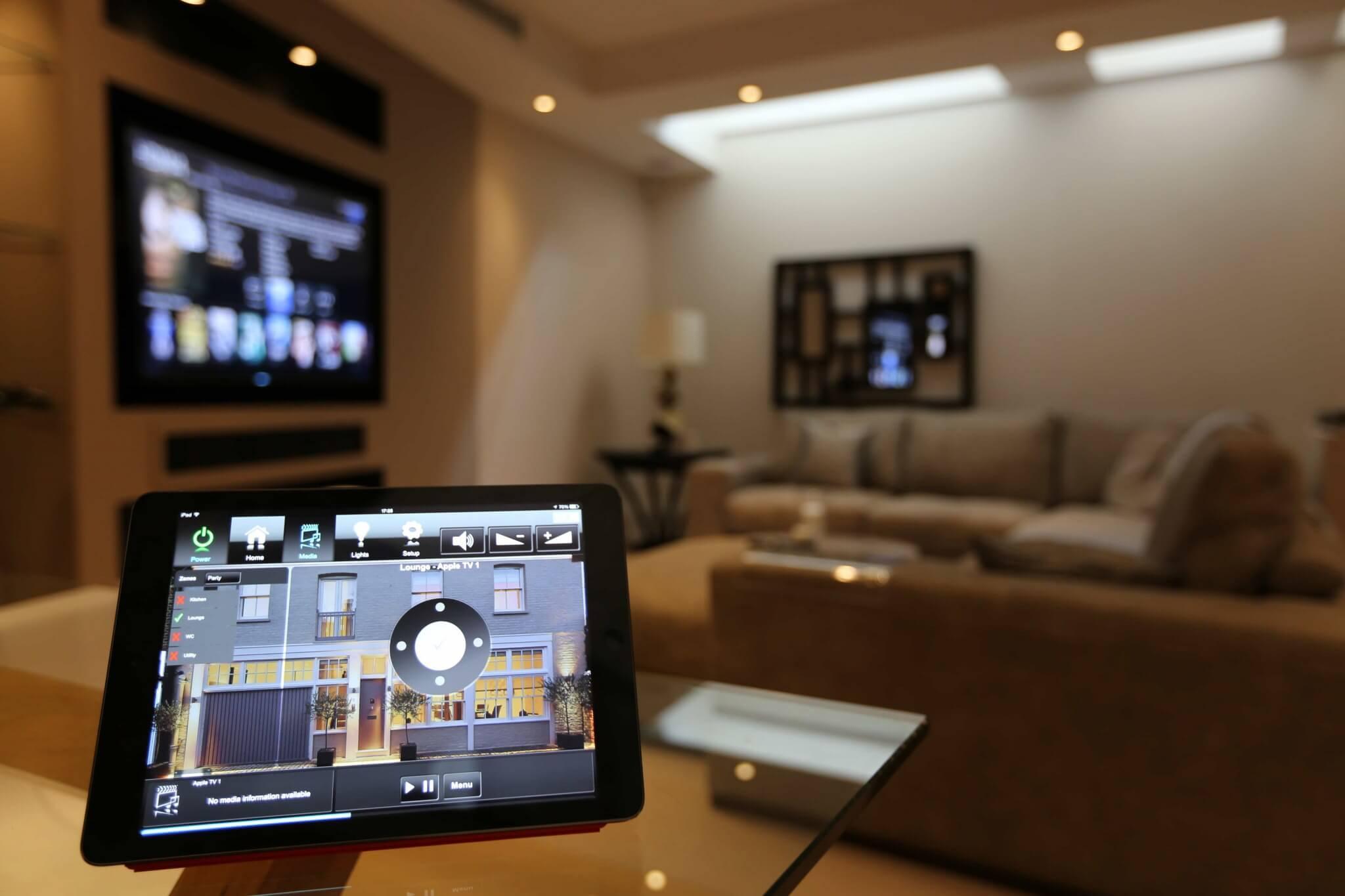 Crestron Smart Home Control via iPad